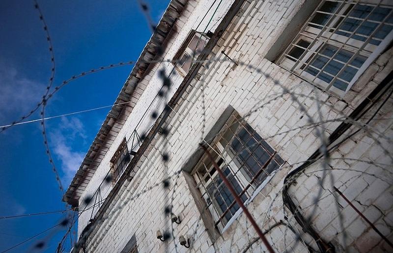 Суд вынес приговор оренбуржцу, напавшему с топором на женщину