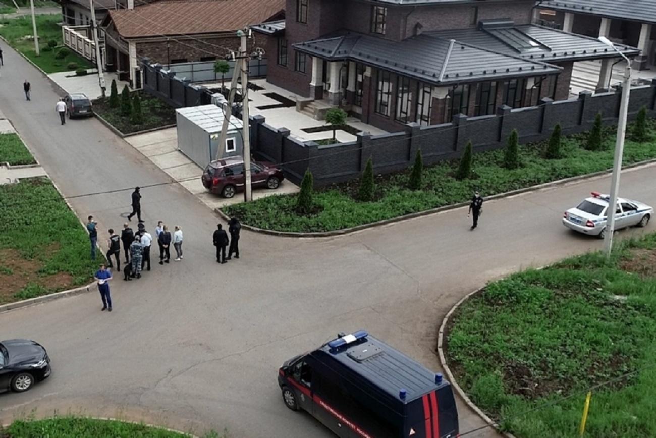 Силовики подтвердили причастность банды киллеров к убийству бизнесмена и его сына в Оренбурге