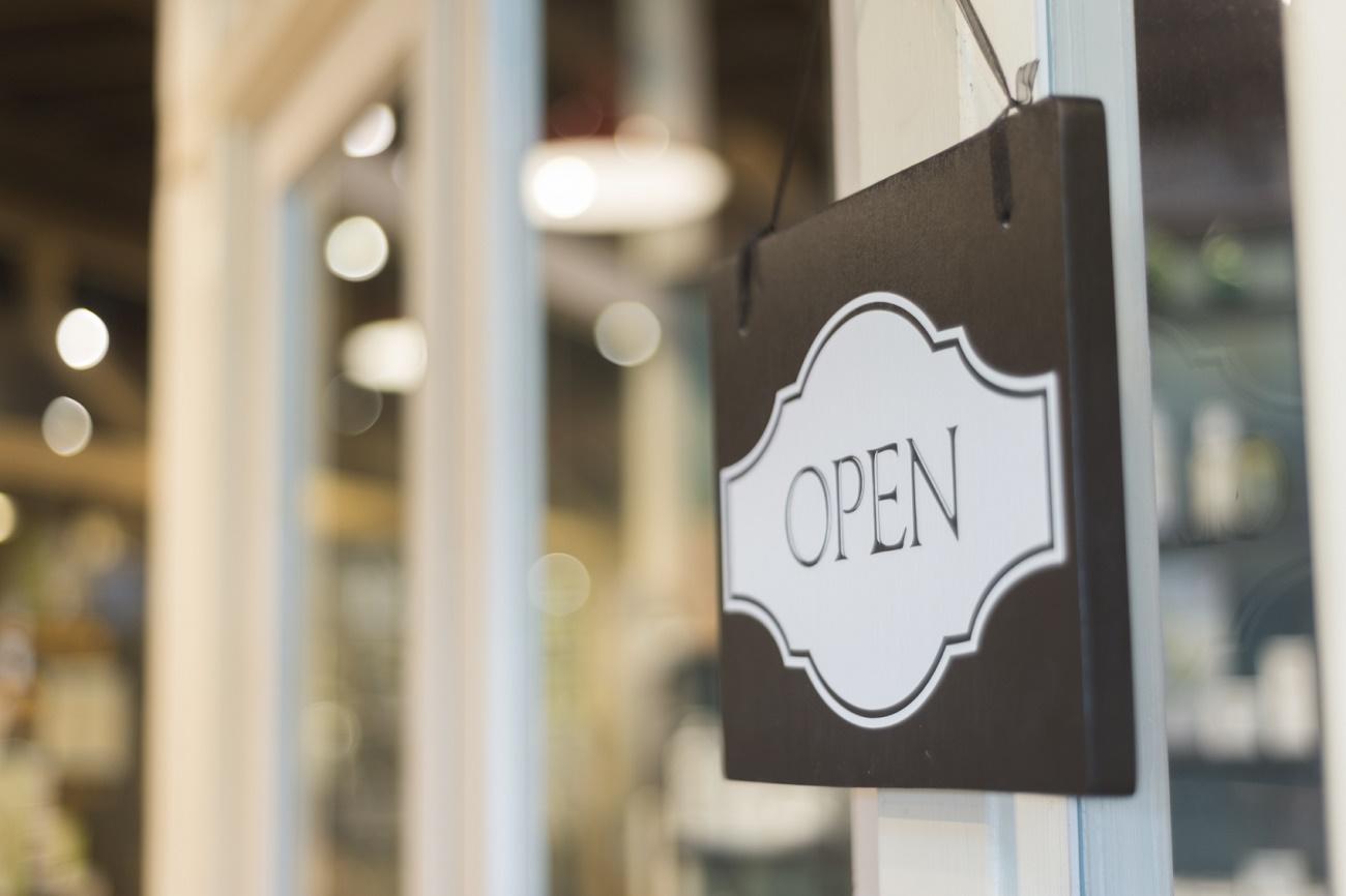 В Оренбурге разрешение на работу получили 45 торговых центров и крупных магазинов