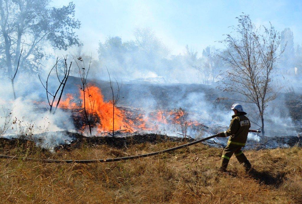 В шести районах Оренбуржья сохраняется высокая пожароопасность
