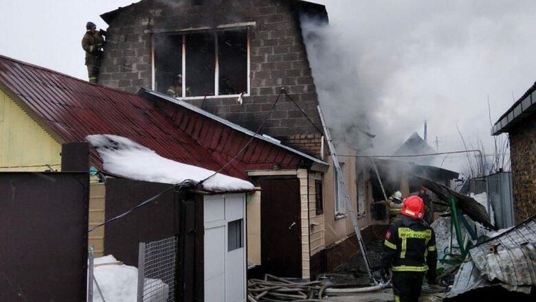 Стали известны подробности пожара в жилом доме на Томилинской