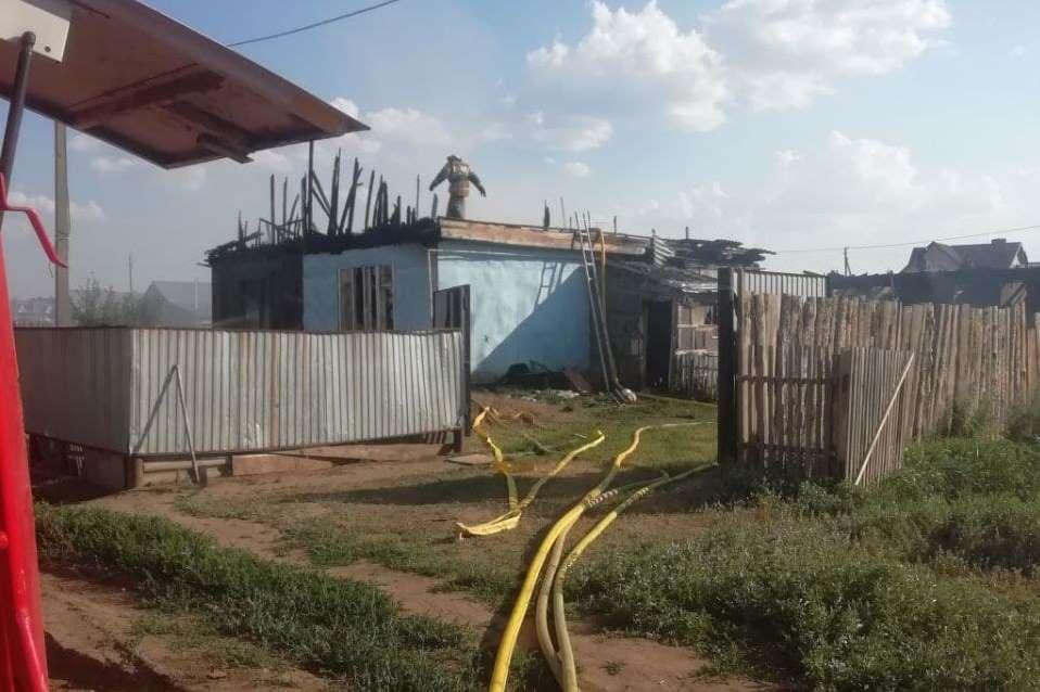 Пожар в Нежинке тушили около четырех часов