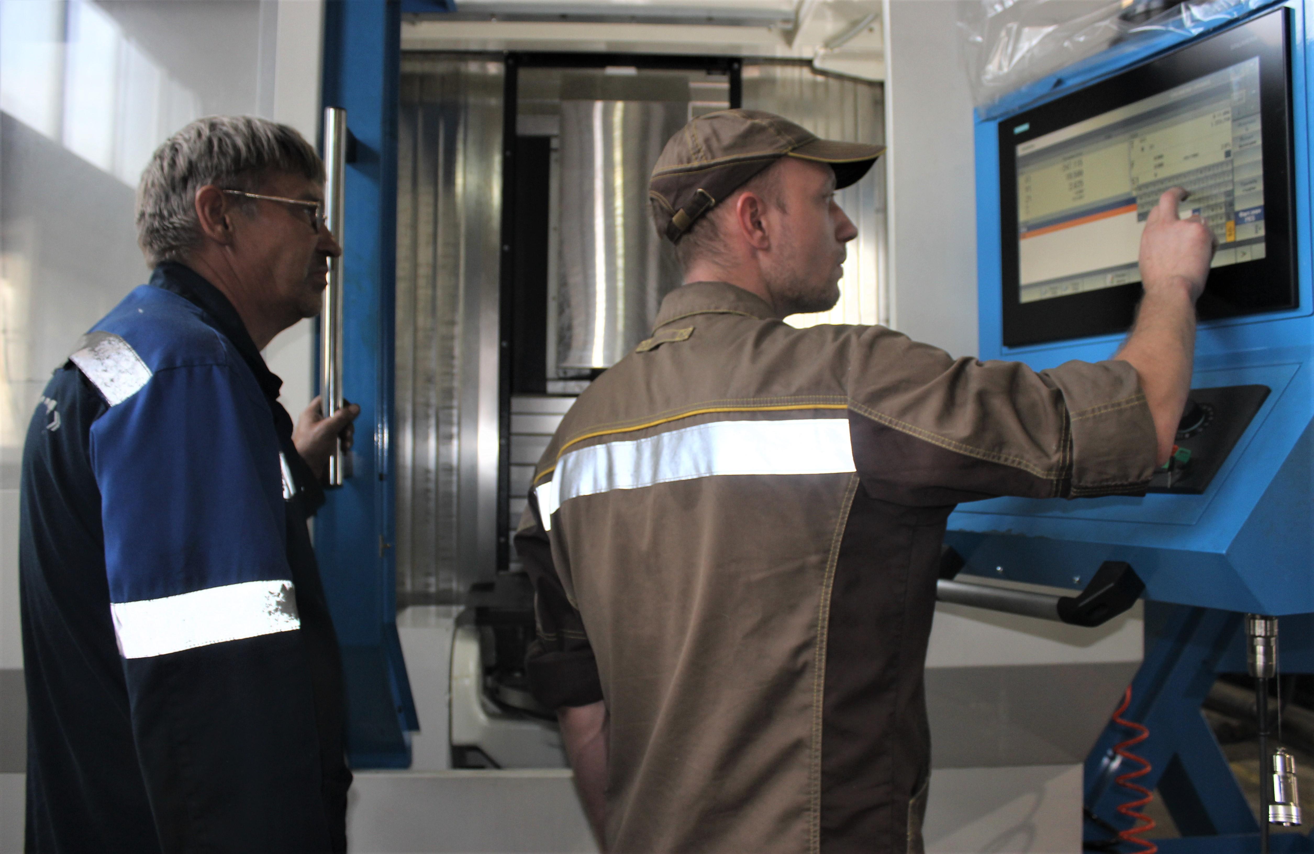 Ремонтники ММСК получили многофункциональный обрабатывающий центр