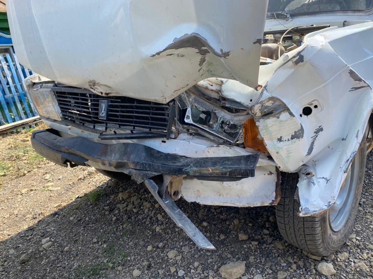 Пьяный оренбуржец угнал автомобиль товарища и протаранил забор